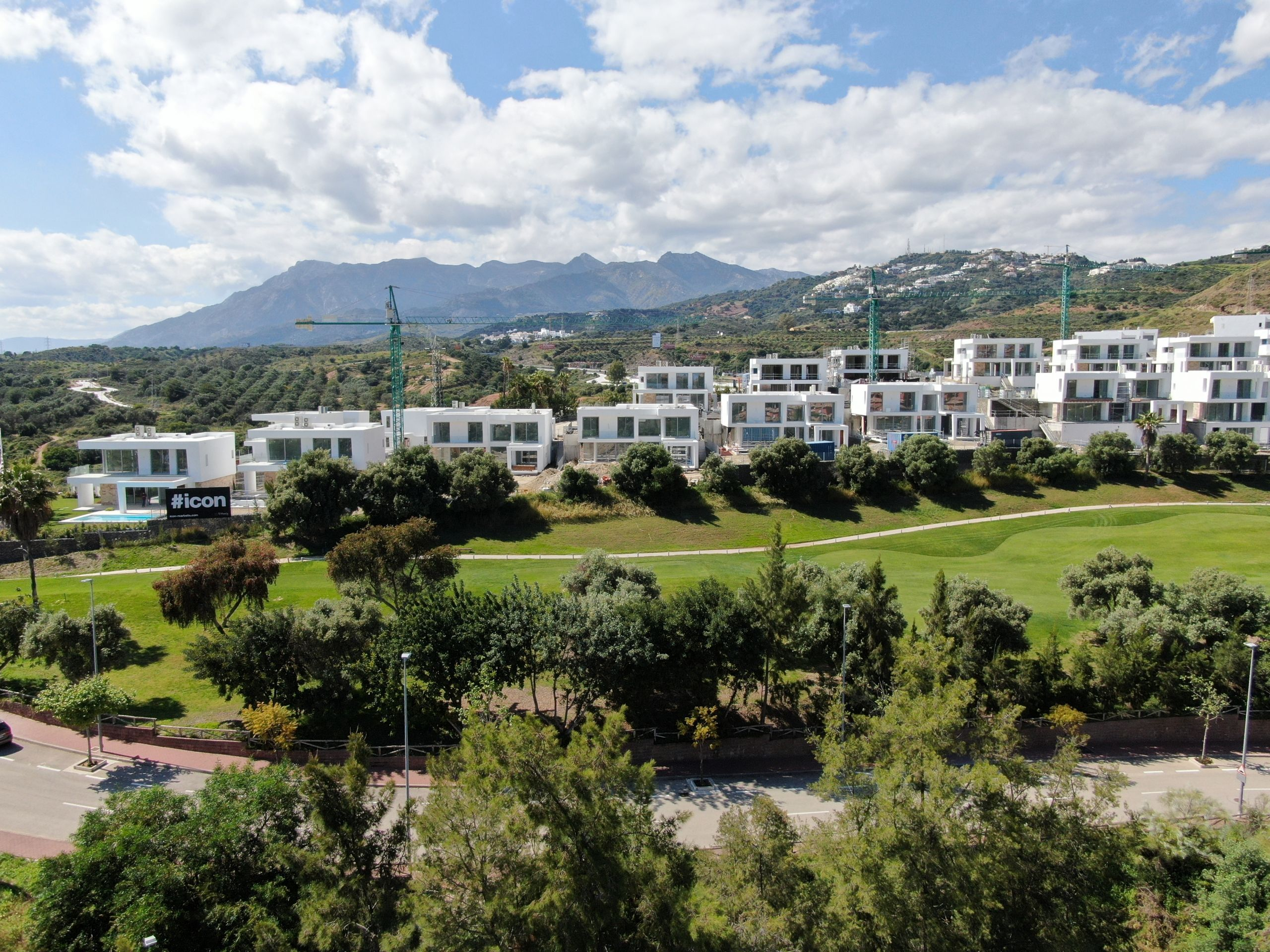 Marbella East – space, beaches, views and exclusivity