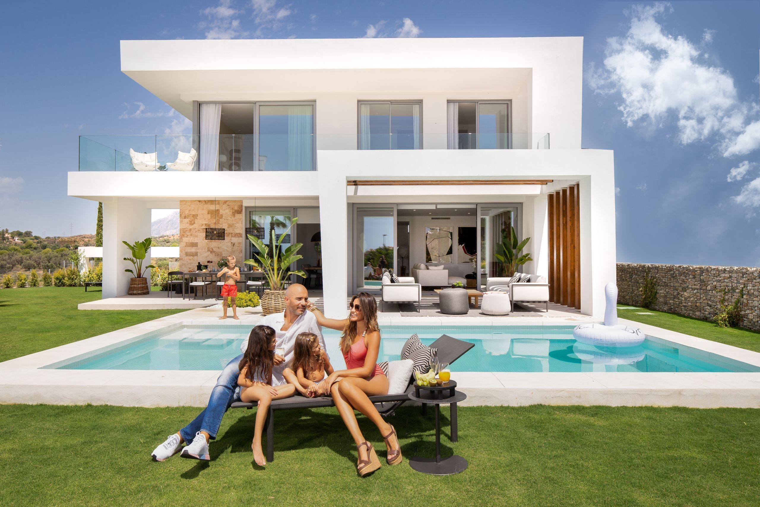¿Quieres mudarte a una casa moderna en Marbella este verano?